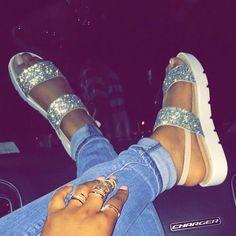 Cute Sandals, Cute Shoes, Me Too Shoes, Shoes Sandals, Shoes Sneakers, Dressy Shoes, Flats, Strap Sandals, Basket A Talon