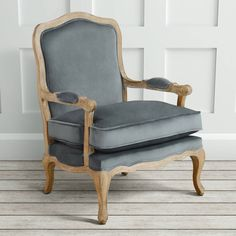 Are you interested in our grand vintage armchair? With our armchair for living room you need look no further. Vintage Armchair, French Country Farmhouse, French Oak, Seat Pads, Solid Oak, Vintage Inspired, Accent Chairs, Dining, Living Room