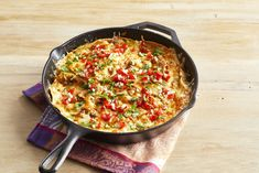 Green Chile Enchilada Casserole Might Be Too Good to Sharethepioneerwoman Mexican Dishes, Mexican Food Recipes, Vegetarian Recipes, Cooking Recipes, Enchilada Casserole, Casserole Recipes, Rice Casserole, Great Recipes, Dinner Recipes