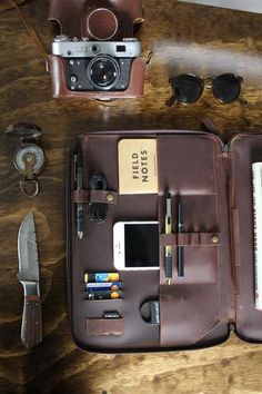 "LEATHER - MACBOOK 13"" PORTFOLIO DOCUMENT ORGANIZER - PRE ORDER"