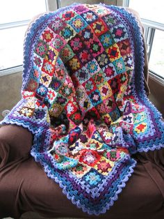 Crochet Patterns: Crochet throw Blanket Pattern - Very Easy motif For Beginners Crochet Squares Afghan, Granny Square Blanket, Crochet Granny, Crochet Stitches, Crochet Patterns, Granny Squares, Love Crochet, Crochet Baby, Knit Crochet