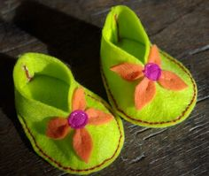 Felt Booties - Great way to save some money on baby costuming.