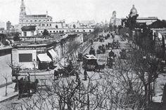 El fotógrafo estaba parado en Santa Fe y Callao, mirando hacia Córdoba, en 1886. Foto: Archivo General de la Nación, Departamento de Documentos Fotográficos. Buenos Aires, Argentina