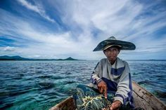 The last sea nomads - the Bajau Laut, who live in the Coral Triangle in Indonesia (2011), photographed by James Morgan