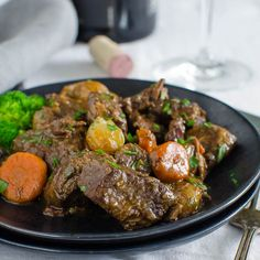 Tender braised beef and pearl onions with sautéed onions and a savory sauce you'll want to bathe in! This is the real deal! Beef Tips, Beef Recipes, Soup Recipes, Dinner Recipes, Cooking Recipes, Cuban Recipes, Slow Cooked Beef, Beef Bourguignon, Braised Beef