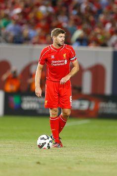 Steven Gerrard Photos - Liverpool v Manchester United - Zimbio
