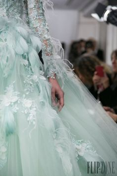 Tony Yaacoub - Couture - Spring-summer 2014 - http://www.flip-zone.net/fashion/couture-1/independant-designers/tony-yaacoub-4462