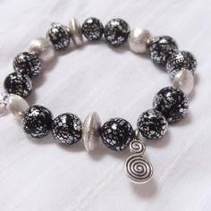 Bracelet perles craquelé argenté noir pâte polymère fimo