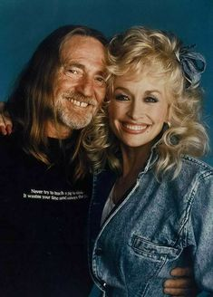 Willie Nelson & Dolly Parton ~ Americana, FolkCountry and Western, BluesCountry. Country Music Stars, Country Music Artists, Country Singers, Country Musicians, Willie Nelson, It's All Happening, Outlaw Country, Folk Music, Music Icon