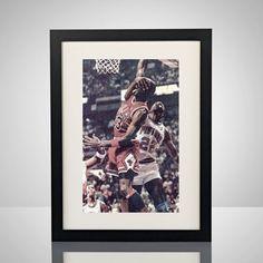 Legendären Michael Jordan Dunk mit Augen bedeckt von lgndrylabel