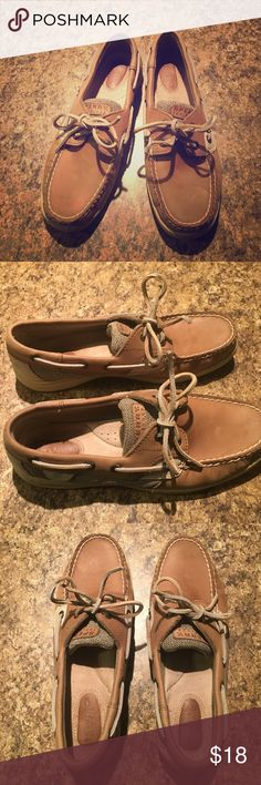 WMN Sperry Top-Sider Tan Leather Slides Shoes 7.5 ⚓️Very nice Sperry Top-Sider Tan Leather Shoes ⚓️Size 7.5 M. Excellent pre🖤condition. ⚓️These look amazing w almost everything ! Super comfy! My favorite cropped jeans or shorts! Sperry is quality made ! This style is supper sought after ! Smoke free home always! Gently used condition w very lite wear. ⚓️ Sperry Top-Sider Shoes Flats & Loafers
