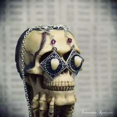 Earrings and Human Molar Teeth pendant gothic, victorian, macabre and gloomy · Verope's Anamnesis Syndrome · Online Store Powered by Storenvy