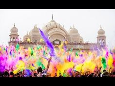 Festival of Colours - Worlds Biggest Colour Party. Looks messy, but ridiculously fun!