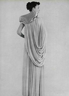 L'officiel de la mode 1953 robe du soir. Madame Gres.
