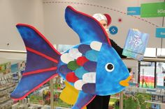 With World Book Day fast approaching, the Hobbycraft Colleagues in Oxford have been busy making to help inspire with a Rainbow Fish costume. Fish Costume Kids, Rainbow Fish Costume, Rainbow Fish Book, World Book Day Costumes, Book Character Costumes, Book Week Costume, Rainbow Fish Activities, Party Activities, Book Activities