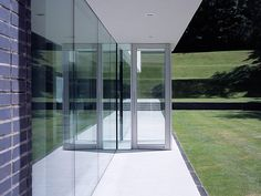 Esher House RIBA Award Winner 2006 BD Architect of the Year Award 2005 - One-off Dwelling Category Winner: Best Residential Design - Daily Telegraph Home Building and Renovation Award, 2005 Read more. Countries Around The World, Around The Worlds, Famous Architects, Minimalist Home, Exterior, Building A House, Minimalism, Award Winner, Architecture