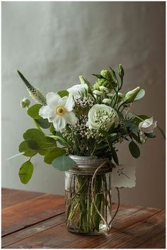 I love flower arrangements with Eucalyptus in them. Here is a free handy hints pack full of terrific ideas to keep your Eucalyptus, Tea Tree and Lavender Oils around the home. http://womenfreebies.co.nz/general-freebies/free-handy-hints-bosistos/