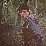 Merlin in chainmail. Me gustaaaaaaa. (gif set) One of my favorite outfits of Merlin's