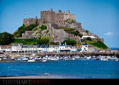 Mont Orgueil, also known as Gorey Castle, Jersey - Channel Islands Tony Hart, Jersey Channel Islands, Surrey, Tower Bridge, Wonderful Places, Castles, Wedding Venues, Photographs, Places To Visit