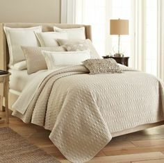 Royal Crestmore Coverlet Set in Light Ivory