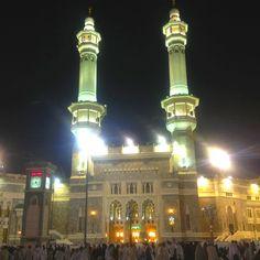 Masjidil Haram at night Mecca Madinah, Mekkah, Peaceful Places, Night