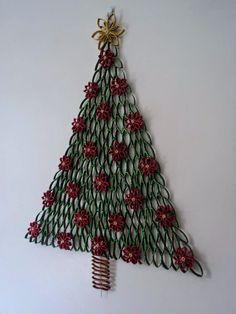 20 impresionantes ideas para decorar árboles de Navidad sobre pared. Inspírate con estos hermosos árboles navideños. ¡Prueba algo diferente esta temporada! Si el espíritu navideño se apodera año tras año de ti, pero el espacio en tu casa es muy poco, quizás estas opciones sean una buena idea. Actualmente muchas casas no cuentan con suficiente espacio para …