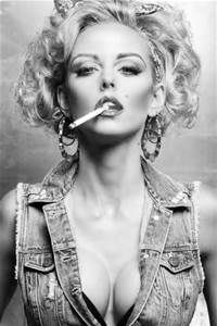 marilyn monroe smoking cigarettes - Yahoo Image Search Results