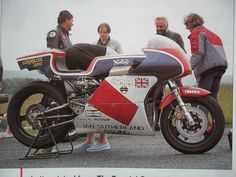British Motorcycles, Racing Motorcycles, Norton Motorcycle, Norton Commando, Weird Cars, Classic Bikes, Road Racing, Motogp, Motorbikes