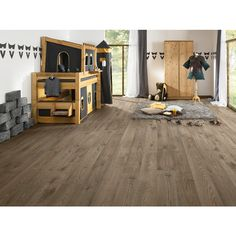 Become the interior designer within your own four walls and take a look at the LOGOCLIC® range. Find out more about LOGOCLIC® Vinto Oak Laminate Flooring, Bauhaus, Home Appliances, Interior Design, Bedroom, Flooring Ideas, Furniture, Home Decor, House Appliances