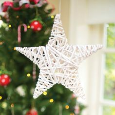 Wicker Star Decoration Christmas Bunting, Christmas Party Decorations, Star Decorations, Christmas Tea, Christmas And New Year, Christmas Ornaments, Holiday Decor, Childrens Party Bags, Christmas Accessories
