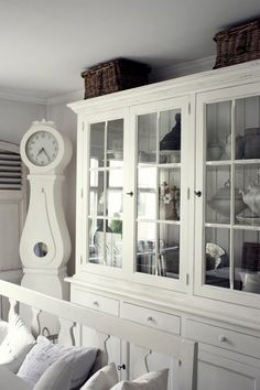 China cabinet painted white - oh pretty!