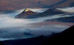 Krasna Horka (Slovakia) Ancient Architecture, Cathedrals, Palaces, Castles, Mountains, Nature, Travel, Naturaleza, Viajes