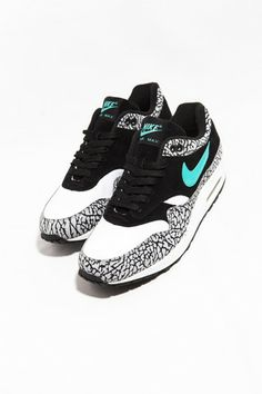 sports shoes 04fe0 2e432 Nike Air Max 1 Atmos - No caption needed.