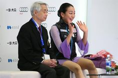 Mao Asada of Japan (R) reacts after the Ladies Free Dance event at the Audi Cup of China ISU Grand Prix of Figure Skating in Beijing, China, 07 November 2015. (Japón) EFE/EPA/WU HONG (800×533)