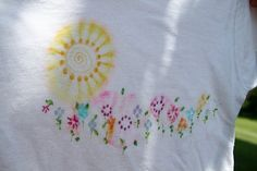 DuPaul, yet more Sharpie tie-dye - flowers! Sharpie Crafts, Sharpie Art, Sharpies, Diy Arts And Crafts, Crafts For Kids, Sharpie Tie Dye, Dye Flowers, Personalized T Shirts, Cute Outfits For Kids