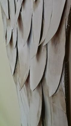 12 Most Popular Home Office Design and Decor Ideas - New Decoration Diy Angel Wings, Angel Wings Wall Decor, Diy Wings, Diy Arts And Crafts, Paper Crafts, Cardboard Crafts, Angel Theme, Diy Angels, Angle Wings