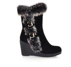 Cute snow boots...