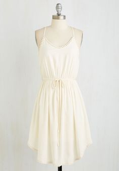 Right to Delight Dress in Pearl