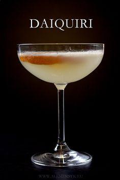 Daiquiri, Cocktails, Drinks, Mozzarella, Ale, Christmas Tree, Tableware, Gastronomia, Balcony