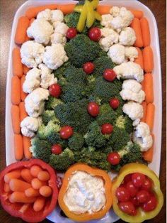Healthy potluck dish is a big hit at holiday office parties. Love the pepper serving bowls, can use radishes as ornaments too. Healthy potluck dish is a big hit at holiday office parties. Love the pepper serving bowls, can use radishes as ornaments too. Christmas Veggie Tray, Christmas Party Food, Xmas Food, Christmas Appetizers, Christmas Cooking, Christmas Goodies, Christmas Potluck, Fruit Appetizers, Holiday Treats