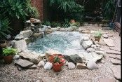 Awesome Outdoor Jacuzzi Ideas for a Relaxing Weekend. With the flow of warm water and bursts of water that create bubbles, soaking in the outdoor Jacuzzi to relax and relieve stress. So you re-energize an. In Ground Spa, Jacuzzi Outdoor, Outdoor Spa, Inground Hot Tub, Outdoor Showers, Diy Hottub, Outdoor Fountains, Outdoor Stone, Water Fountains