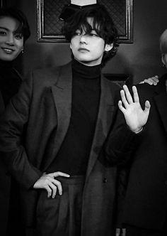 why do models even try when a whole kim taehyung exists BTS black and white bts b&w b&w edit b&w aesthetic bts icons black and white icons Foto Bts, Bts Photo, V Taehyung, Bts Bangtan Boy, Jimin, Daegu, K Pop, Beatles, Bts Black And White