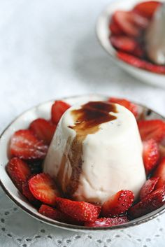 Spice and Everything Nice – Black Pepper Panna Cotta w/ Strawberries ...