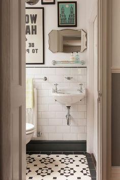 super kreatives Badezimmer Interieur mit vintage Elementen
