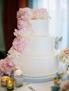 Wedding Cake with Peonies | photography by http://www.esthersunphoto.com