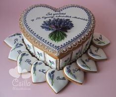 Gingerbread Box with Lavender | Cookie Connection