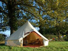 Canvas Bell Tent.... (http://soulpad.com/sanctuary/index.php?option=com_virtuemart=shop.view_images=shop.flypage_id=21_id=6=1)