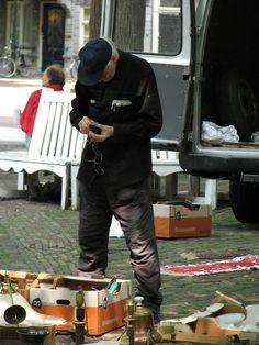 Op de antiekmarkt Lange Voorhout
