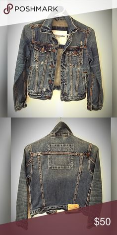 """Abercrombie & Fitch Classic Denim Jacket S EUC/Mint condition... Classically Fashionable... clean cut heavy denim jacket from  """"Abercrombie Kids"""".. size small... like new!! No Trades..Friendly offers always genuinely considered. ✨✌️✨ Abercrombie & Fitch Jackets & Coats Jean Jackets"""