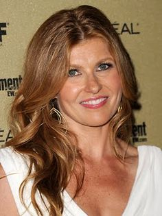Connie Britton to Star in Ryan Murphy's FX Pilot 'American Horror Story' Summer Hairstyles, Cool Hairstyles, Connie Britton, Tammy Taylor, Hair Color And Cut, Hair Colour, Golden Blonde Hair, Ryan Murphy, Celebrity Moms